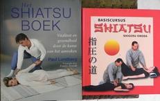 Basiscursus shiatsu en Het Shiatsu Boek.(2 boeken).