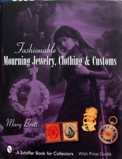 Fashionable Mourning Jewelry,Clothing & Costumes