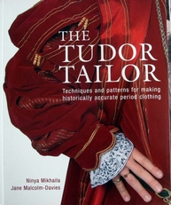 The Tudor Dress,reconstructing 16th - century dress.
