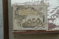 Little Folk,Autograph Albums