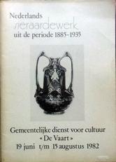 Nederlands sieraardewerk periode 1885-1935.